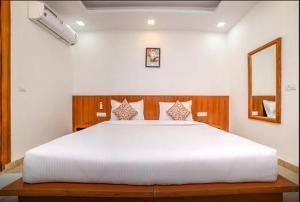 Grand Oyster Service Apartments, Апарт-отели  Гургаон - big - 23