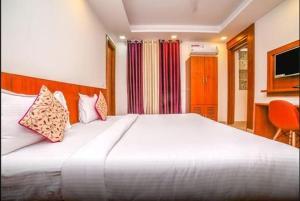 Grand Oyster Service Apartments, Апарт-отели  Гургаон - big - 28