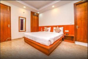 Grand Oyster Service Apartments, Апарт-отели  Гургаон - big - 27