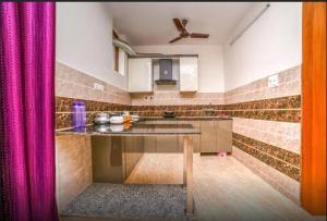 Grand Oyster Service Apartments, Апарт-отели  Гургаон - big - 24