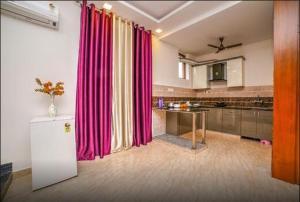 Grand Oyster Service Apartments, Апарт-отели  Гургаон - big - 2