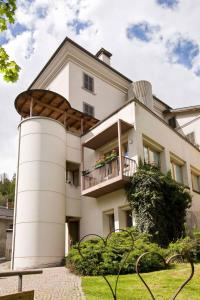 Accommodation in Colere