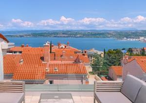 Sea View Art Penthouse