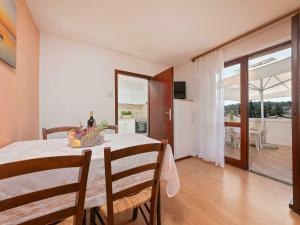 Cozy Apartment near Sea in Porec