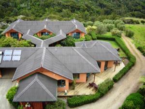 Earthsong Lodge, Lodges  Tryphena - big - 9