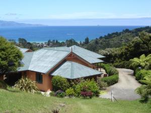 Earthsong Lodge, Turistaházak  Tryphena - big - 22