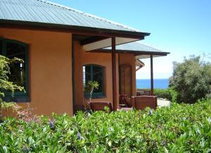 Earthsong Lodge, Turistaházak  Tryphena - big - 9