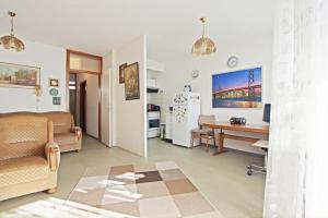 Private Apartment Arcard (5159)