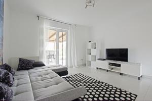 2 Private Single Rooms (5650) - Heisede