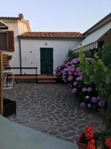 Casa Vacanze - L'ortensia - AbcAlberghi.com