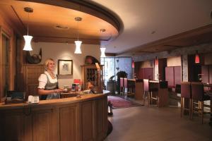 Hotel Montana, Hotely  Sankt Anton am Arlberg - big - 32