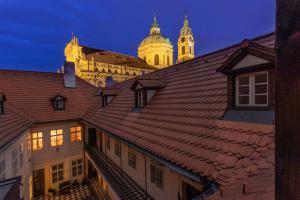 Three Golden Crowns Apartments - Praga