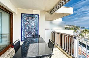 PALM BEACH, enchanting sea view and beach access, Apartmanok  Cannes - big - 4