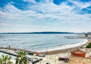 PALM BEACH, enchanting sea view and beach access, Apartmanok  Cannes - big - 5