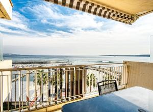 PALM BEACH, enchanting sea view and beach access, Apartmanok  Cannes - big - 6