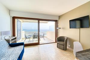 PALM BEACH, enchanting sea view and beach access, Apartmanok  Cannes - big - 18