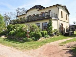 Villa mit Wassergrundstück - XL - 9 Schlafzimmer - Damekow