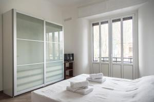 2 Bedrooms With Balcony in City Life District - AbcAlberghi.com