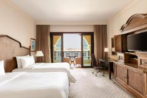 Shangri-La Hotel Qaryat Al Beri (24 of 66)