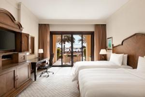 Shangri-La Hotel Qaryat Al Beri (23 of 66)