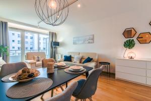 Rent a Flat apartments Obrońców Wybrzeża St