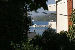 Apartments by the sea Seget Vranjica, Trogir - 4285, Апартаменты/квартиры  Трогир - big - 21