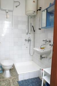 Apartments by the sea Seget Vranjica, Trogir - 4285, Апартаменты/квартиры  Трогир - big - 3