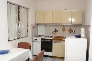 Apartments by the sea Seget Vranjica, Trogir - 4285, Апартаменты/квартиры  Трогир - big - 2