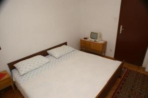 Apartments by the sea Seget Vranjica, Trogir - 4285, Апартаменты/квартиры  Трогир - big - 4