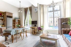 obrázek - Cozy & Bright 2BR Period Apartment in Whitechapel