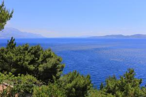 Apartments by the sea Marusici (Omis) - 1024, Apartmány  Mimice - big - 36
