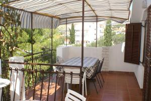 Apartments by the sea Okrug Gornji (Ciovo) - 1069, 21223 Trogir