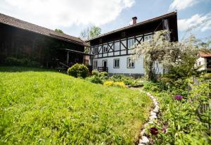 8c0cd44b3da7 Luis Bader Haus - Ferienwohnung Romantik, Lechbruck, Germany   J2Ski