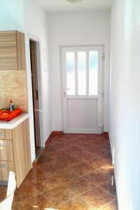 Apartment Sobra 7531a, Apartmány  Sobra - big - 21