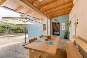 Apartments and rooms with parking space Nerezine, Losinj - 8049