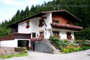 Haus Ladner