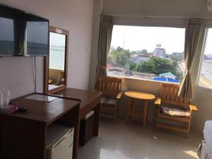Prachuap Beach Hotel, Affittacamere  Prachuap Khiri Khan - big - 8