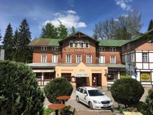 Hostel Eden