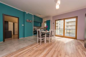 BillBerry Apartments - Colorful