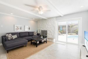 obrázek - Surfside, 4 Bedrooms, Private Pool, Fenced Yard, Pets, WiFi, Sleeps 8