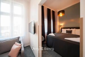 Very Berry Glogowska 395 Apartamenty Targowe self check in 24h