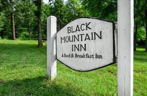 Black Mountain Inn - Accommodation - Black Mountain