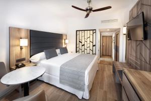 Hotel Riu Palace Oasis (2 of 45)