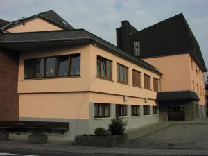 Hotel Restaurant Braas, Hotely  Eschdorf - big - 1