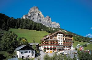 Hotel Sassongher (2 of 70)