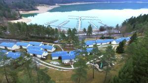 Location gîte, chambres d'hotes VVF Villages « Le Fjord Jurassien » Maisod le lac dans le département Jura 39