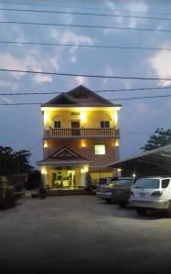 Thai Zavid Guesthouses - Khun Han
