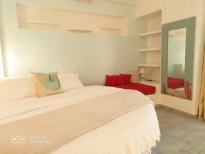 Deluxe Honeymoon Suite with Sea View