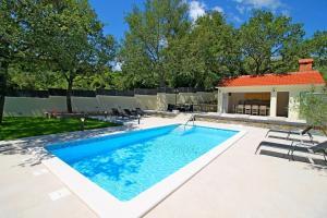 VILLA SKURA private heated pool 32m2, summer kitchen, 4 bedrooms, garden