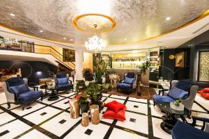 Le Bristol Hotel (6 of 77)